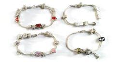 Armband verzilverd met beads.  Maand aanbieding!!