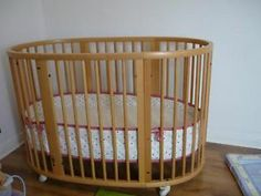 Stokke Sleepi cot bed in natural wood with mattress, excellent condition, SW19 Wimbledon Wimbledon Picture  £275