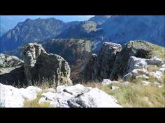 Αγριόγιδα και η Δρακόλιμνη της Τύμφης Στο βίντεο που ακολουθεί θα δείτε τα Αγριόγιδα και την Δρακόλιμνη της Τύμφης. Τα πλάνα είναι βιντεοσκοπημένα από τον πρόεδρο του Ορειβατικού Συλλόγου Κόνιτσας, κο Νικολόπουλο Κωνσταντίνο. Η Κόνιτσα διαθέτει σπάνια χλωρίδα και πανίδα και σας προσκαλούμε όλους σας να επισκεφθείτε την περιοχή μας, ώστε να την θαυμάσετε από κοντά.  Τί περιμένετε λοιπόν....  Ελάτε να θαυμάσετε την άγρια ομορφιά της φύσης στην Κόνιτσα. Half Dome, Mountains, Nature, Travel, Naturaleza, Trips, Traveling, Nature Illustration, Tourism
