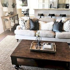 Adorable 50 Cozy Modern Farmhouse Living Room Decor Ideas https://decorapatio.com/2018/01/14/50-cozy-modern-farmhouse-living-room-decor-ideas/