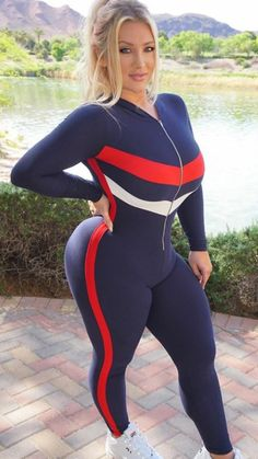 A picture of Taya Christian. This site is a community effort to recognize the hard work of female athletes, fitness models, and bodybuilders. Beautiful Curves, Sexy Curves, Perfect Curves, Curvy Fashion, Womens Fashion, White Girls, Gorgeous Women, Sexy Women, Model