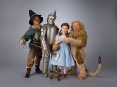Collecting dolls is in itself a trip down The Yellow Brick Road.  Sharing it with the R. John Wright Wizard of Oz Dolls would be better than traveling the golden bricks with the Wizard himself!!   The Wizard of Oz Collection by R. John Wright