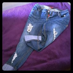 Applebottom Capris with fray look Applebottom Women's rolling Capri Jeans with destroyed fray look in front and shape of apple on rear pockets Apple Bottoms Pants Capris