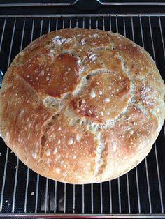 Da det nu var blevet min tur til at tage morgenmad med på arbejdet, synes jeg at jeg selv ville bage noget lækkert brød. Udover min hjemm...