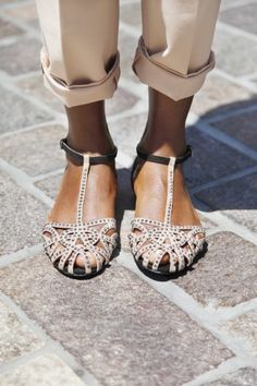 Elegant #Flats -  and these happen to be from Zara so they wont break the bank. Looks great on tanned feet!