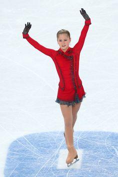 Yulia Lipnitskaya Pictures - Winter Olympics: Figure Skating