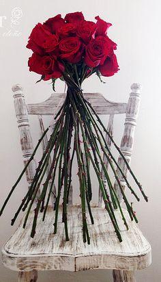 Bouquet de rosas rojas. Red roses bouquet.