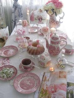 Morning or Afternoon Tea Setting with Vintage Red and White Transferware China. Afternoon Tea Parties, Tea Sandwiches, Vintage Party, Vintage High Tea, Vintage Tea Parties, Vintage Bridal, Deco Table, My Tea, Decoration Table