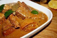 duszone żeberka w sosie własnym Polish Recipes, Polish Food, Main Menu, Charcuterie, Food Design, Pork Recipes, Slow Cooker, Curry, Food And Drink