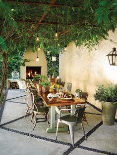 Eisen Pergola, Style Toscan, Garden Ideas Large, Small Patio Furniture, Tuscan Garden, Tuscan House, Tuscan Courtyard, Tuscan Style Homes, Patio Interior