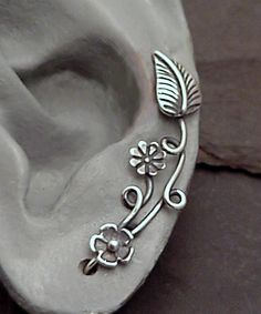 """""""EarPins"""" These seem interesting and cute. not exactly sure how well they would work or feel. Cuff Earrings, Cartilage Earrings, Ear Piercings, Charm Jewelry, Jewelry Crafts, Metal Tattoo, Wire Wrapped Jewelry, Handcrafted Jewelry, Jewelry Collection"""