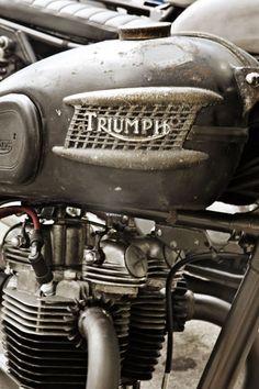 Nice crusty 500 tank on a Unit Triumph Triumph Motorbikes, Triumph Bikes, Triumph Bobber, Triumph Bonneville, Triumph T120, British Motorcycles, Triumph Motorcycles, Vintage Motorcycles, Ducati