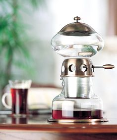 Learn how to make perfect iced coffee at home, in today's Gadget DuJour