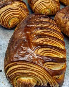 """Gefällt 741 Mal, 19 Kommentare - パンデキランPande kiran OsakaJapan (@pan_de_kiran_nepalibaker) auf Instagram: """"#thankyou #like #pandekiran #nepalibaker #namaste #croissant #pastry #danishpastry #pastrychef…"""""""
