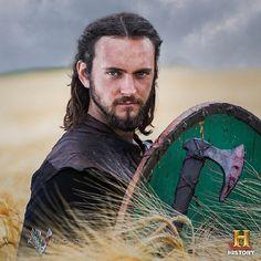 Athelstan's decision to return to Kattegat has left King Ecbert feeling abandoned Lagertha, Ragnar Lothbrok, Floki, Athelstan Vikings, Vikings Tv Series, Vikings Tv Show, Odin Thor, Vikings Travis Fimmel, Symbole Viking