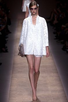 Valentino Spring 2013 Ready-to-Wear Fashion Show - Vanessa Axente (Viva)