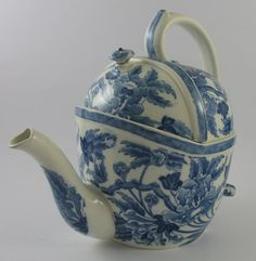 Antique Wedgwood SYP Simple Yet Perfect Teapot Blue & White Transfer Printed PEONY ca.1906