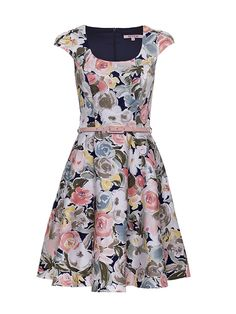 The Royal Garden Dress size 10 Floral Fashion, Fashion Dresses, Women's Fashion, Garden Dress, Review Fashion, Online Dress Shopping, Review Dresses, Beautiful Outfits, Beautiful Clothes