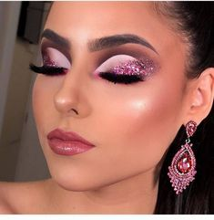 ●Perfect for Cosmetics Stores, Makeup Artists,Hair and Beauty Salons ● Perfect for the display of eyelash products Sparkly Makeup, Purple Eye Makeup, Makeup Eye Looks, Colorful Eye Makeup, Eye Makeup Art, Eyeshadow Makeup, Eyeshadows, Glamour Makeup, Sexy Makeup
