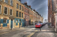 Love, love, love this street. If only to peek into people's houses and stare at all the wonderful things inside. Mainly as they try to eat dinner. Fournier Street Spitalfields by ian_fromblighty, via Flickr