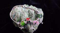 pulseira com pingentes  prata 925  7 pingentes de prata  coloridos prata e resina  1 murano  com garantia R$ 240,00