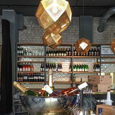 Das stylische Interieur des Spreegolds bietet zu jeder Tages Zeit das passende Ambiente | creme berlin