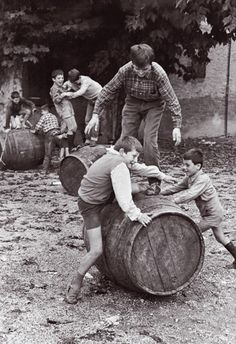 Pepi Merisio, San Paolo d'Argon ( Bergamo), 1966 Vintage Photographs, Vintage Images, Caravaggio, Vintage Italy, Foto Vintage, Old Photography, In Vino Veritas, Illustrations And Posters, The Good Old Days
