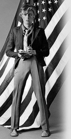 Young Americans - I LOVE this Bowie!