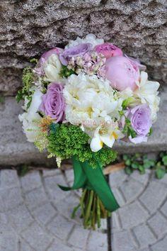 buchete de mireasa din bujori si trandafiri / peonies & roses wedding bouquet