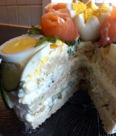 Kakebua's blogg: Smørbrødkake Sushi, Food And Drink, Cheese, Baking, Ethnic Recipes, Bakken, Backen, Sweets, Pastries