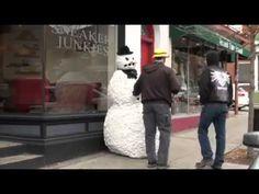 SHARE THE HOLIDAY HUMOR  SNOW MAN Prank