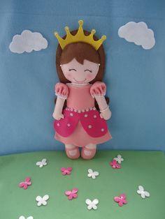 Princesas em feltro para decoração de quarto ou festa infantil.  com aprox 15 cm R$: 15,00 cada  com aprox 33 cm R$: 42,00 cada R$ 15,00