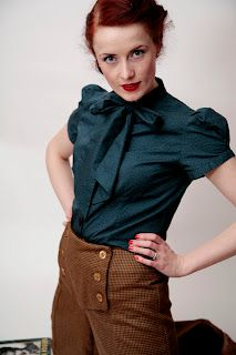 Vintage inspired by Beatrice Winter: 1940s Marlene pussy bow tie blouse