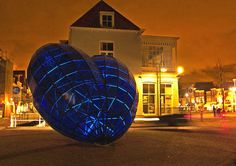 Blue Hart, art in the centre of Delft.