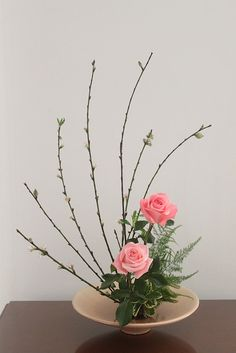 Best 12 Ikebana Japanese Flower Arrangement – Page 532409987197753830 – SkillOfKing. Ikebana Arrangements, Ikebana Flower Arrangement, Church Flower Arrangements, Church Flowers, Beautiful Flower Arrangements, Flower Vases, Floral Arrangements, Beautiful Flowers, Art Flowers