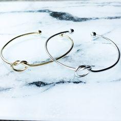 Retrouvez le bracelet jonc noeud sur Luna Pyxis pour 7,36€ Get our knot cuff bracelet on lunapyxis.com  #bracelet #fblogger #bracelets #lunapyxis