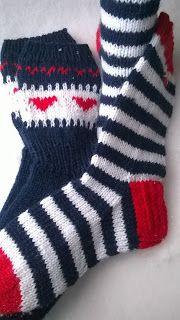 Mittens, Socks, Baby, Fashion, Knitted Slippers, Knit Socks, Tricot, Fingerless Mitts, Moda