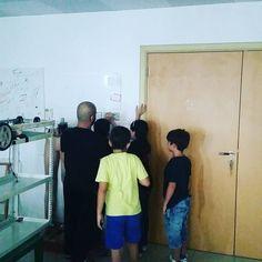 making the clap switch again. with the young innovators. :) #BaseRadius #ajman #uaerobotics #sharjah #education #school #innovation #secondaryschool #primaryschool #creativity #UAE_innovates #uae #school #uae_moe #arduino #clapswitch by base_radius