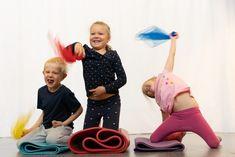Harjoitellaan rauhoittumistaitoja ja tutustutaan kasvin kasvun eri vaiheisiin. Lue lisää nettisivuiltamme!  Avainsanat: 0-3v 3-5v 5-7v Kasvikset ja hedelmät Leikki Liikunta Pienryhmätoiminta Ruoan reitit pellolta pöytään Taiteellinen kokeminen Baby, Baby Humor, Infant, Babies, Babys