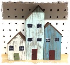 """Just recently I rented a space at a Antique∕Craft Mall in Burleson, """"Nashville of Texas"""". I needed some items that I could make fairly quick… Scrap Wood Crafts, Rustic Wood Crafts, Wood Block Crafts, Driftwood Crafts, Rustic Farmhouse Decor, Wooden Diy, Wood Blocks, Wood Projects, Woodworking Projects"""