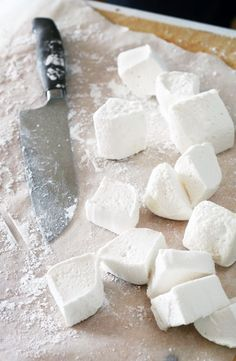 homemade marshmallows } homemade marshmallows - make mine cocoa marshmallows.homemade marshmallows - make mine cocoa marshmallows. Recipes With Marshmallows, Homemade Marshmallows, Just Desserts, Dessert Recipes, Delicious Fruit, How Sweet Eats, Sweet Recipes, Baking Recipes, Sweet Tooth