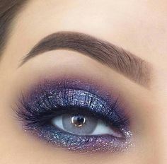 Beautiful metallic grey with a hint of pink and purple. So pretty. Beautiful metallic grey with a hint of pink and purple. So pretty.,Wunderschönes Make-up Beautiful metallic grey with a hint of pink and. Makeup Inspo, Makeup Art, Makeup Inspiration, Makeup Tips, Beauty Makeup, Makeup Ideas, Makeup Tutorials, Makeup Quiz, Makeup Meme
