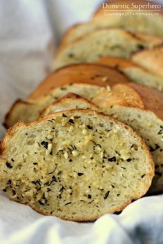 Best Ever Easy Garlic Bread! This takes 3 minutes to whip up and compliments any pasta dish! Yum!