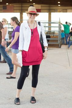 This look is very casual and suitable for a rodeo!