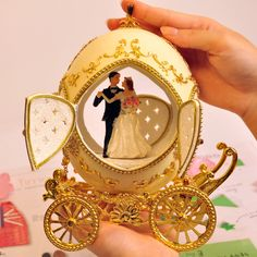 Lovely ostrich egg carving cutout wedding carriage music box