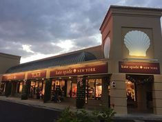 The Silver Sands Premium Outlets comprise another one of the best malls in Destin Float Spa, Seafood House, Grab Bars In Bathroom, Premium Outlets, Parasailing, Fishing Charters, Destin Florida, Walk In Shower