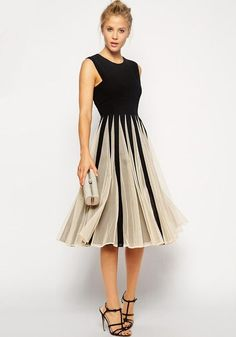 White-Black Patchwork Pleated Grenadine Sleeveless Dress