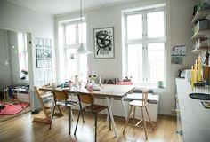 jeg er jonathan Modern Furniture, Home Furniture, Dining Room Design, Kitchen Styling, Home Decor Inspiration, Home Kitchens, Living Spaces, Living Room, Kitchen Dining