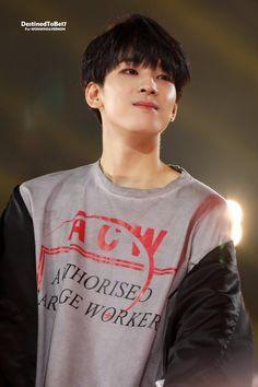 Wonwoo gives such soft angst teenage vibes I really love it Seventeen Wonwoo, Seventeen Debut, Hip Hop, Woozi, Jeonghan, Vernon Chwe, Choi Hansol, Adore U, Seventeen Wallpapers