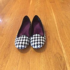 Hounds tooth shoes Slip ons very comfortable  and cute. Made of heavy duty material. SO Shoes Flats & Loafers